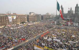 zcalo-protestas-desafuero-andrs-manuel-lpez-obrador